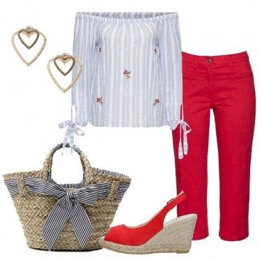 Outfit Pinocchietto rosso e blusa rigata