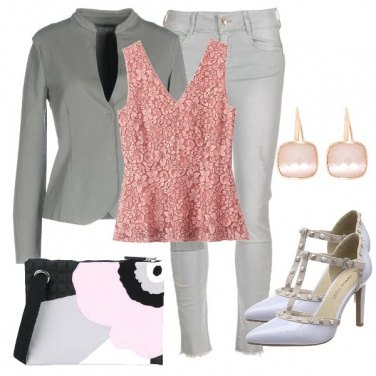 Outfit Il top in pizzo rosa