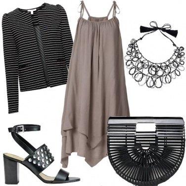 Outfit Un prendisole che diventa abito