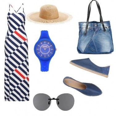 Outfit Basic, al mare con il cappello
