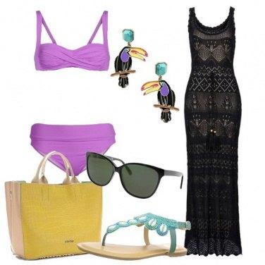 Outfit Vestito nero a crochet per la spiaggia
