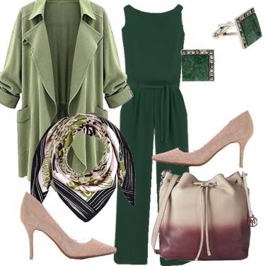 Outfit Verde con tocchi di rosa
