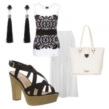 Outfit La zeppa e i ricami in nero