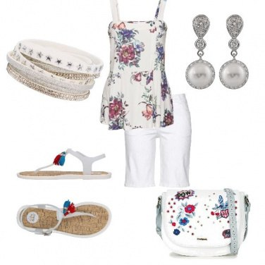 Outfit Shorts in bianco