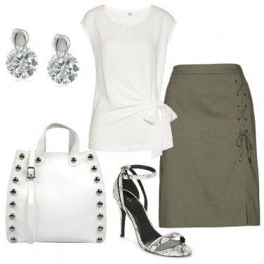 Outfit Top con il fiocco
