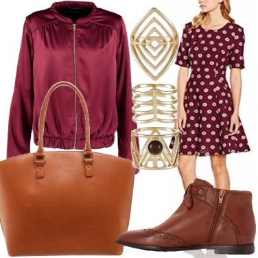 Outfit Burgundy e margherite