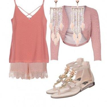 Outfit I sandali con gli strass