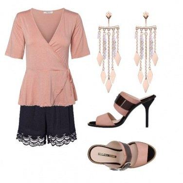 Outfit Rosa nero ciabattina col tacco