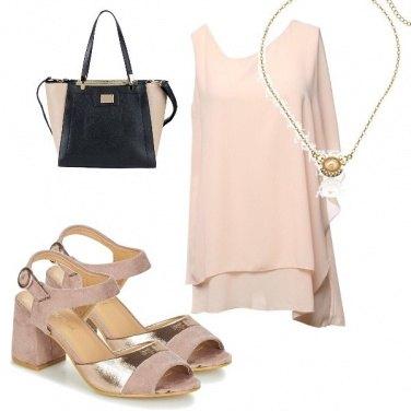 Outfit Sandali oro e rosa