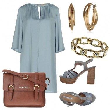 Outfit Vestito leggero e cartella