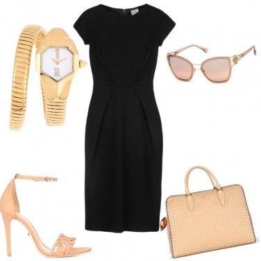 Outfit Tubino nero al mattino