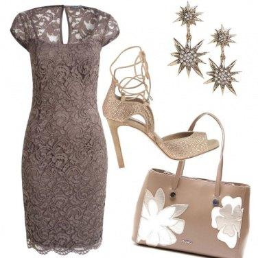 Outfit Elegante in tortora