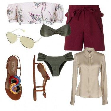 Outfit In spiaggia con bikini e camicia