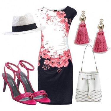 Outfit Il vestito con i fiori di pesco