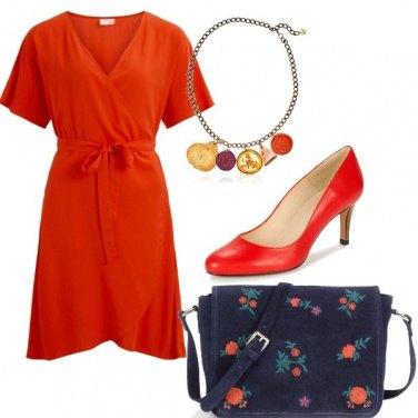 Outfit Abito rosso da giorno