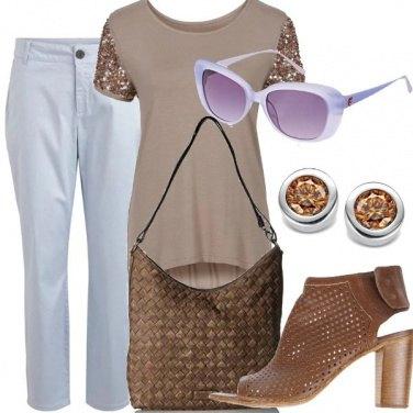 Outfit Azzurro marrone e paillettes