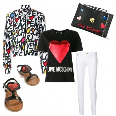 Outfit Moschino nel cuore