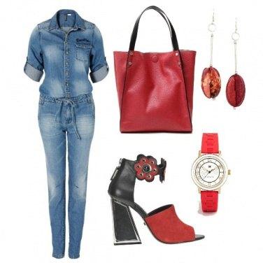 Outfit Denim e rosso il top