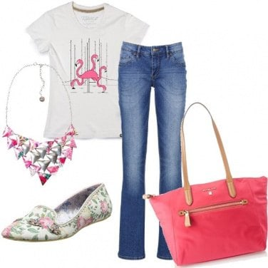Outfit Basic in rosa e jeans