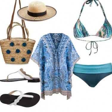 Outfit Basic, in spiaggia con le amiche