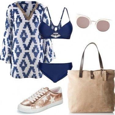 Outfit Blu e rosa al mare