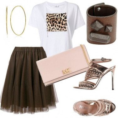 Outfit Tulle e t-shirt by night