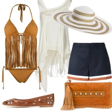 Outfit Frange in spiaggia