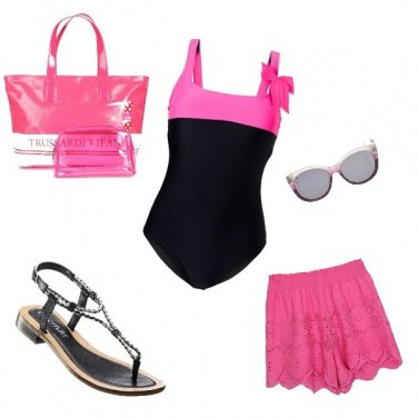 Outfit Pink on the beach