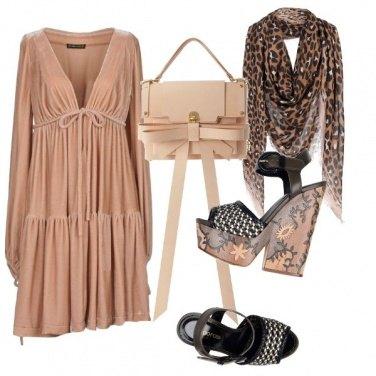 Outfit Abito drappeggiato