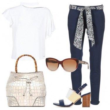 Outfit In bianco e blu