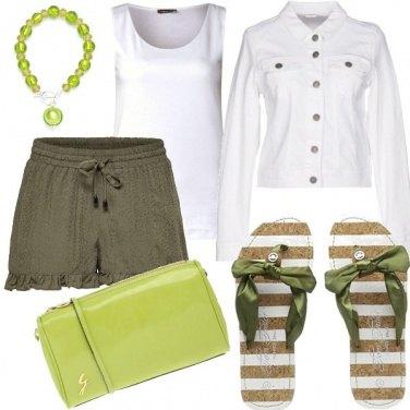 Outfit Bianco e lime