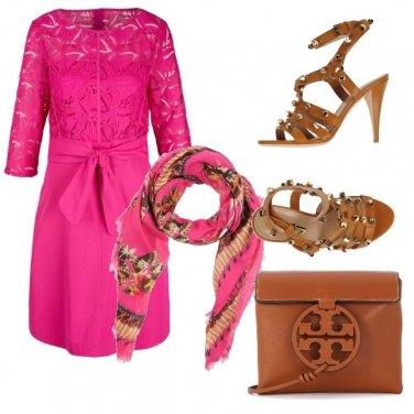Outfit Fucsia e cuoio