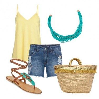 Outfit Giallo e turchese