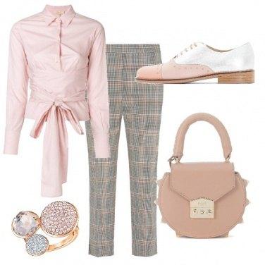 Outfit Rosa al lavoro