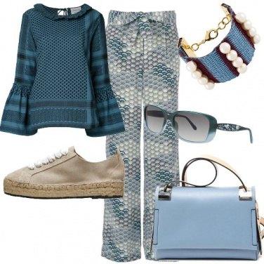 Outfit Toni di azzurro