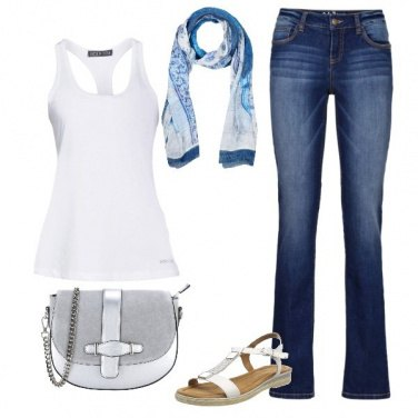 Outfit Notte d\'estate in canotta e jeans