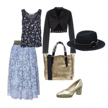 Outfit Pizzo e oro col cappello