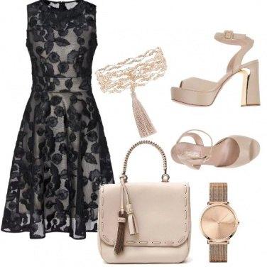 Outfit Chic in nero e beige