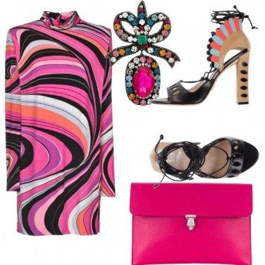Outfit Grande stile e colori decisi