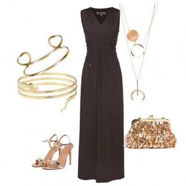 Outfit Una cascata di bracciali