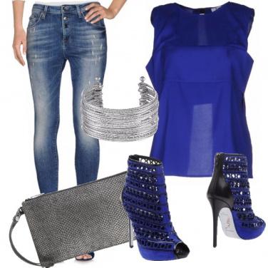 Outfit Serata blu elettrica