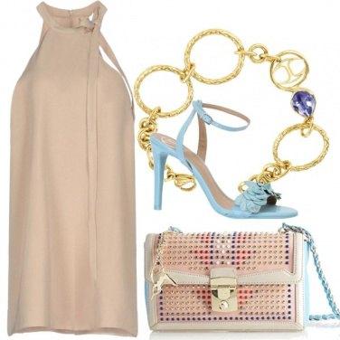 Outfit Colori pastello e un solo gioiello