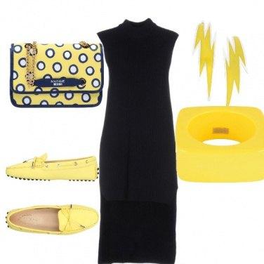 Outfit Blu e giallo in città
