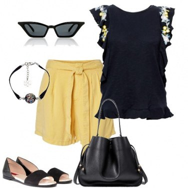 Outfit Short gialli