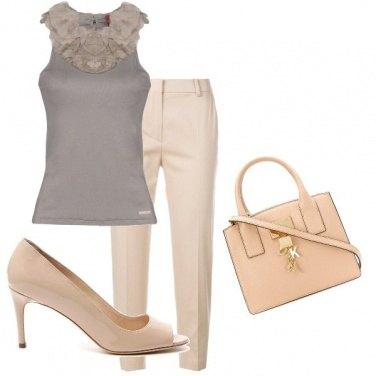 Outfit Toni di beige