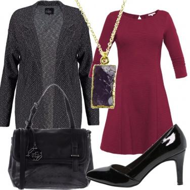 Outfit Grigio, nero e porpora