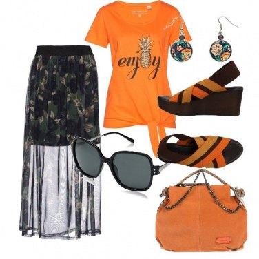 Outfit Esotico arancio e nero
