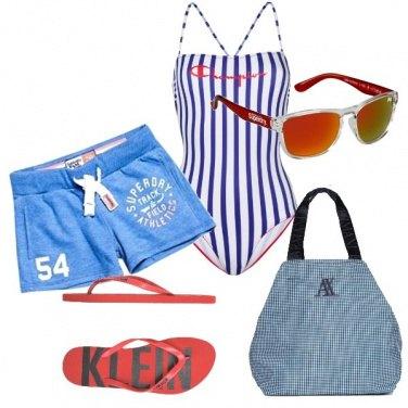 Outfit In spiaggia con l\'intero sportivo