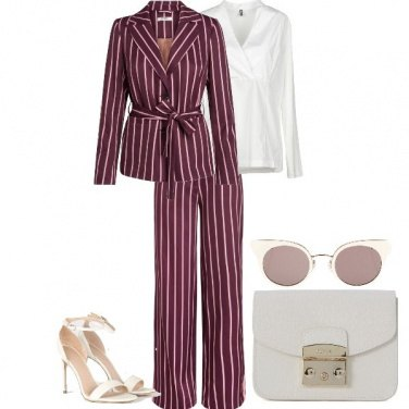Outfit Stripes and color contrast 2.0