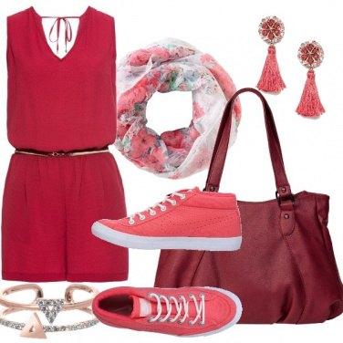 Outfit Rosso e corallo da giorno